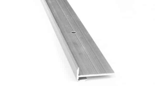 R6415-Alu-trapneus-profiel-28x12x2,5mm-geborsteld-nikkel